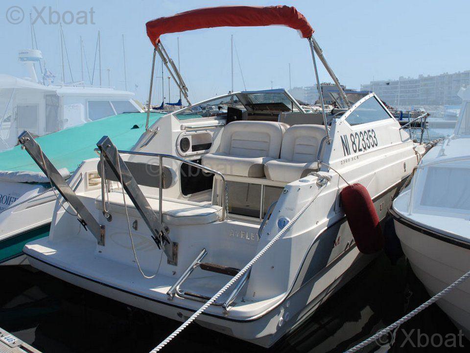 motorboat maxum maxum 2300 scr used motorboat advert for sale rh xboat uk 1997 Maxum 2700 SCR 1997 Maxum 2000 SRF